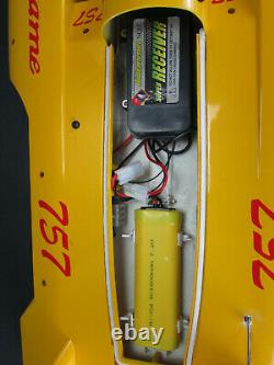 NQD Sports Game 757 Remote Control R/C Hydro Speed Boat Yellow Mosquito Craft