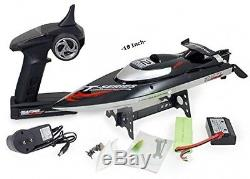 Top Race Remote Control RC Boat, Speed of 30 Mph, Auto Flip Recovery New
