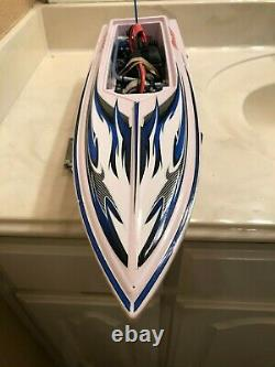 Traxxas Blast Remote Control Boat, all parts included ready to go! Runs Great